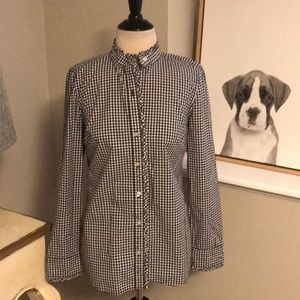 Vineyard Vines button down blouse